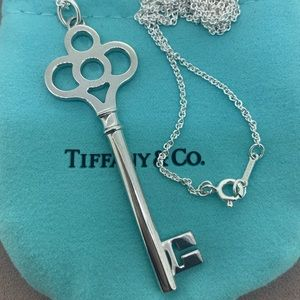 "Tiffany & Co Crown 🔑 Key Pendant And 24"" Chain"
